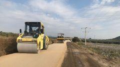 manisada beton yol uygulamasi devam ediyor